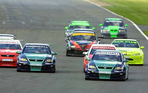 In 2001, the BTCC field was embarrassingly small, which lost a lot of the fanbase that had been so strong in the 90s