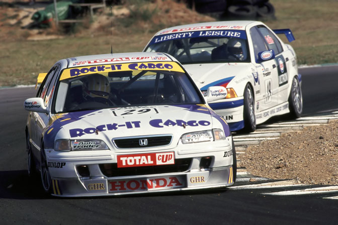In the late 90s, Gravett competed in the Independents Championship in his Honda Accord
