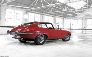 Jaguar-E-Type S1 rear