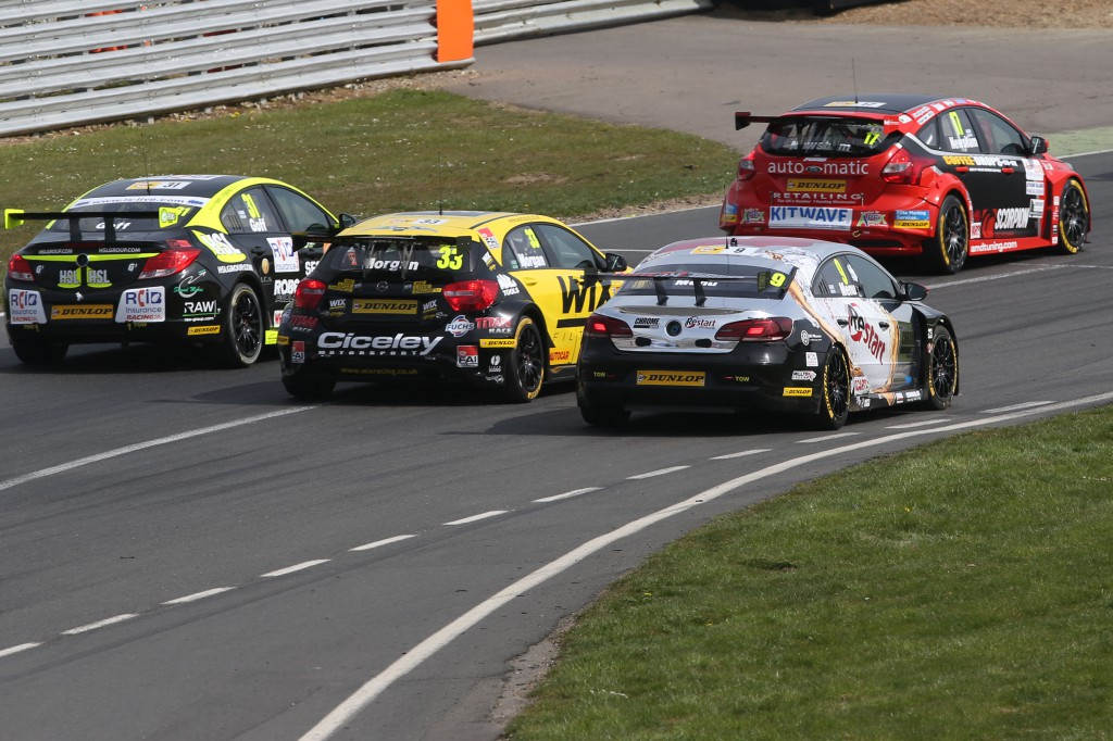 As the flag dropped on the 2014 season, it was all out action from the off to the flag. Image Credit: BTCC.net