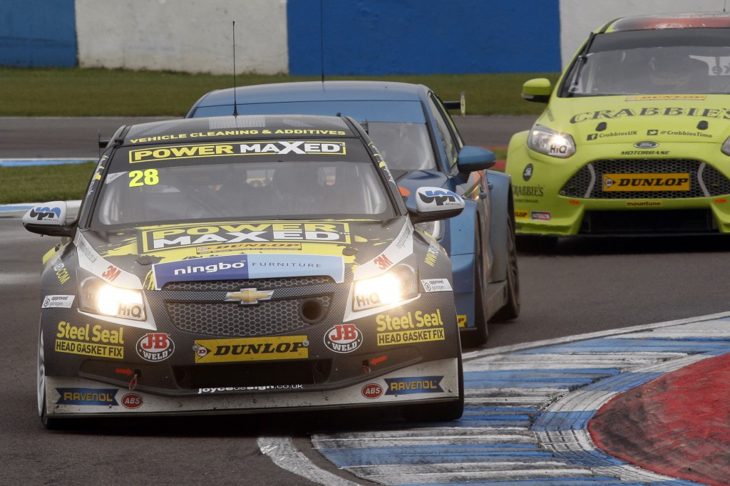 After narrowly missing vehicular chaos with Menu, Chris Stockton drove like a true superstar and was fighting for high places. Image Credit: BTCC.net