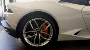 Huracan right rear