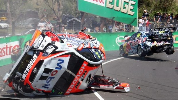 Lowndes Crash On Super Car Race