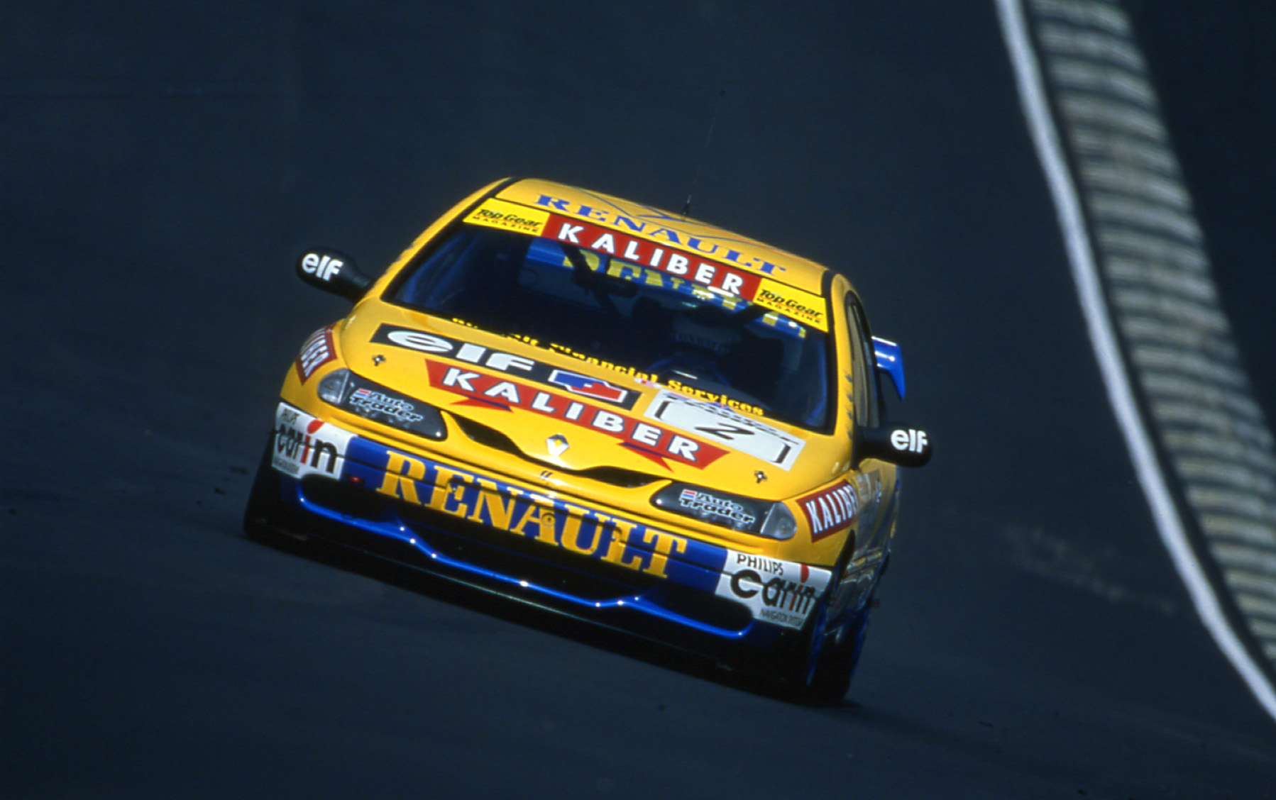 Alain Menu in his title destroying Laguna in 1997. Image Credit: btccrazy.net