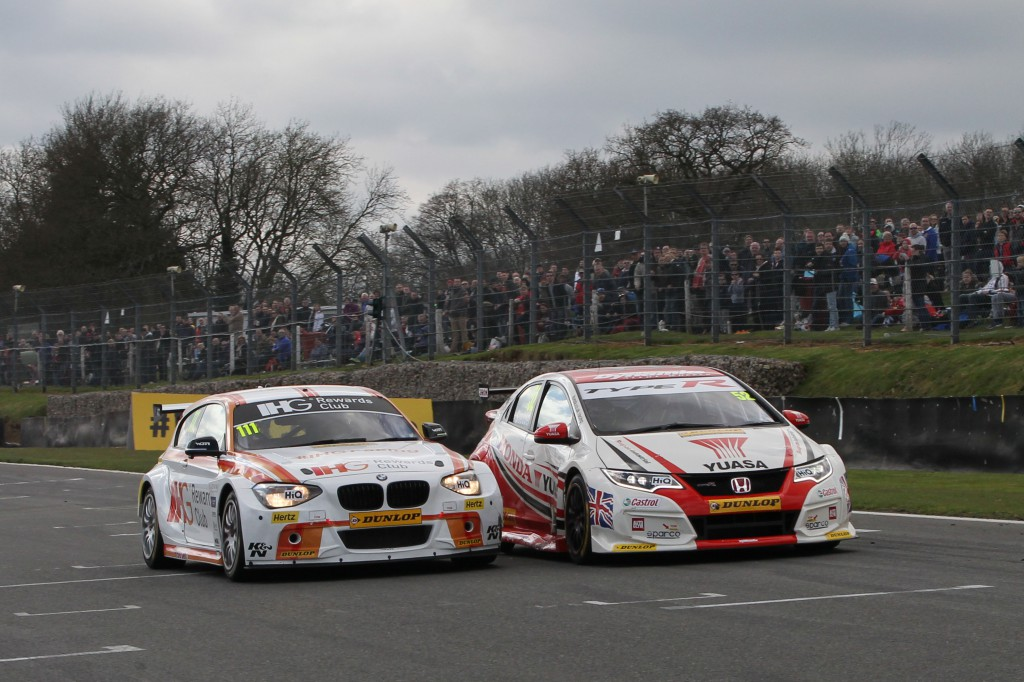 This is not staged, that is how close the finish was. Image Credit: BTCC.net