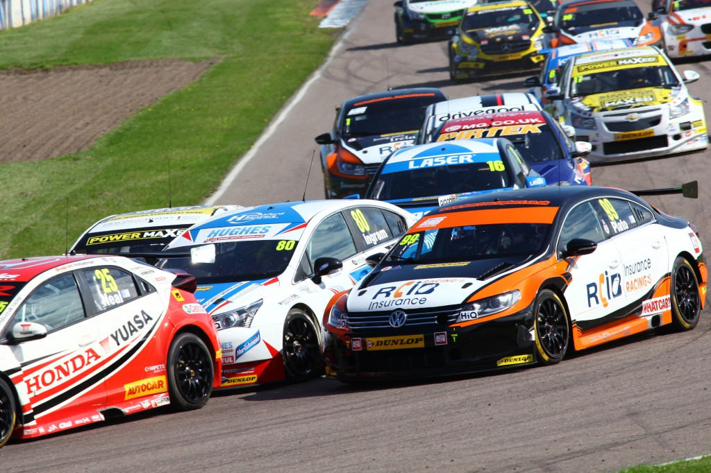 All action in race 1 as drivers jostled for positions! Photo Credit: BTCC.net