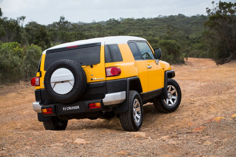 TOY_FJ_Cruiser_160418ba4951lr