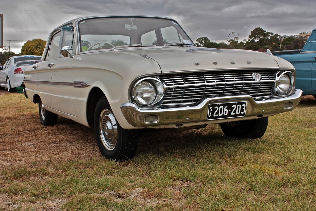 1962_Ford_XL_Falcon_Futura_Sedan