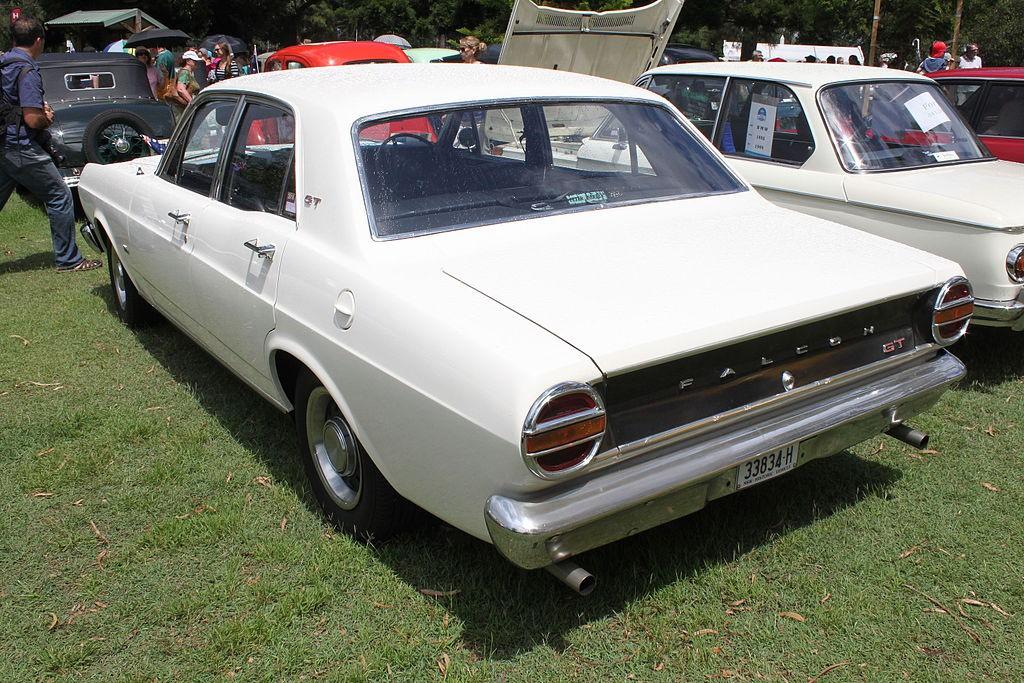1968_Ford_Falcon_(XT)_GT_sedan_(25371145955)