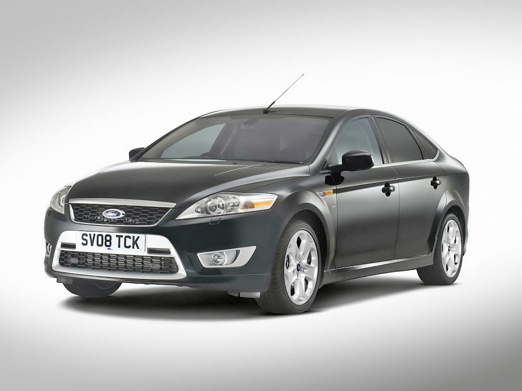 Sleek, modern lines, clearly, make the Ford Mondeo highly distinctive.