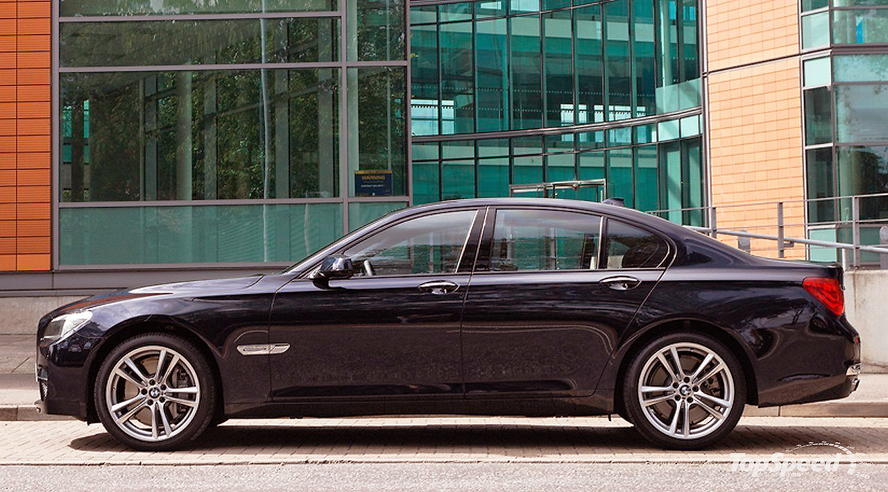 It's big and  it's beautiful: it's the BMW 740d.