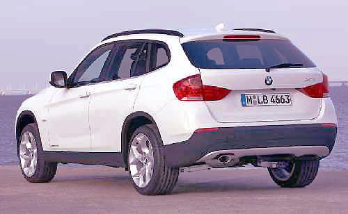 The BMW X1xDrive20d offers the best of both worlds.