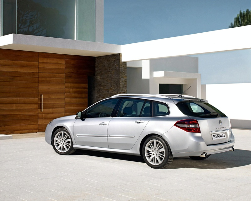 How many station wagons look as good as the Renault Laguna Estate Dynamique?