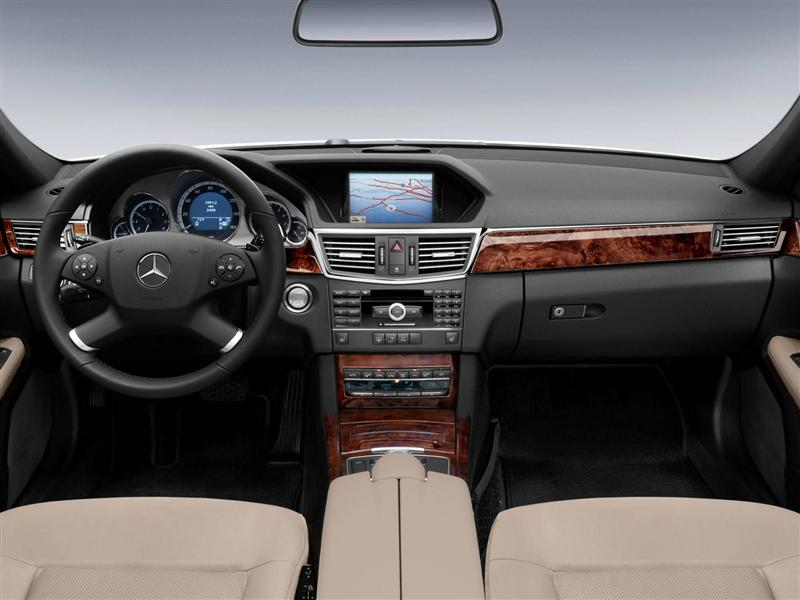 Carefully selected materials are of the highest quality, so the E-Class Sedan's interior finish is simply superb.