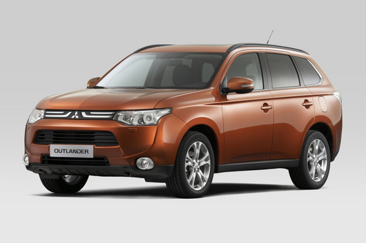 Hugely popular and great value for money, the 2013 Mitsubishi Outlander looks the goods and is a great performer.