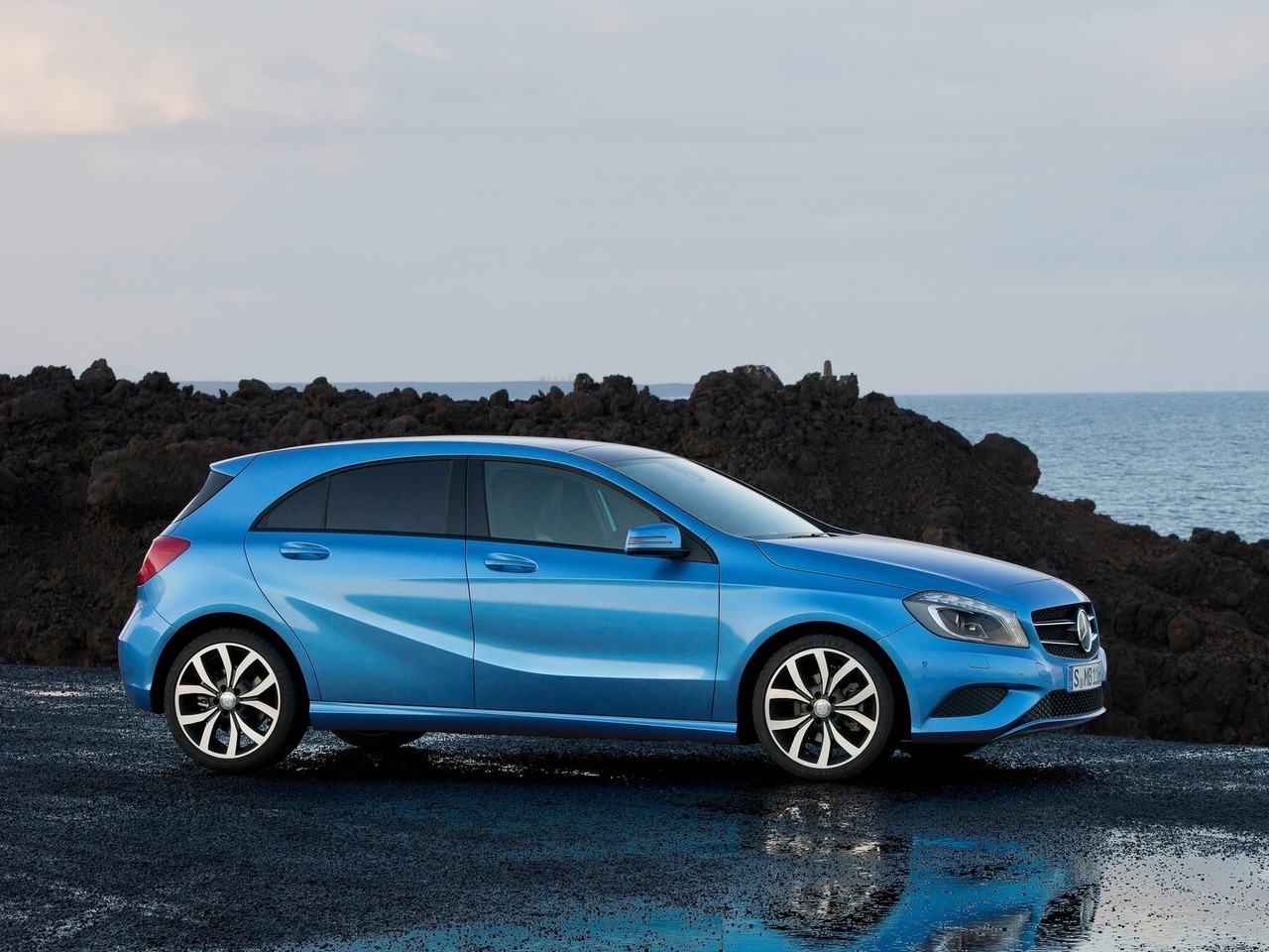 A balanced design gives the Mercedes Benz A-Class a new edge to a great drive.