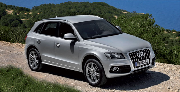 The styling of the Audi Q5 look equally suitable for the city tarmac or for back-road gravel.
