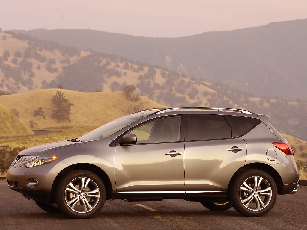 The Nissan Murano TI is ready to deliver the goods either on the tarmac or on the hills beyond.