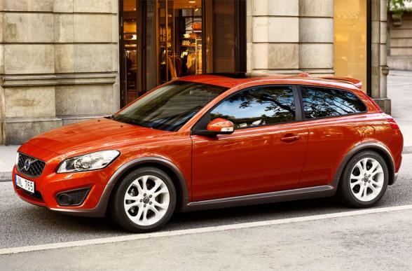 The Volvo C30 T5 is a stylish coupé that is bound to be very popular.