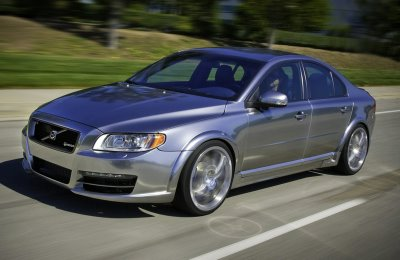 Classic looks and superb engineering combine to make the Volvo S80 T6 a great drive.