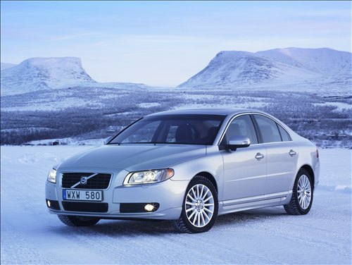 The Volvo S80 V8 promises the lucky driver a high level of performance and comfort.