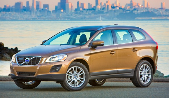The Volvo XC60 3.2 AWD offers the driver a lot of fun and practicality.
