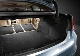 2012-BMW-ActiveHybrid-3-bootspace