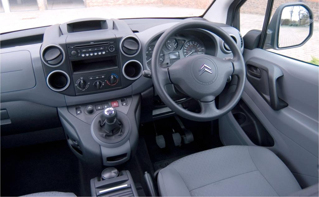 Copyright 2001 2016 en citroen club net citro n club all for Berlingo interieur
