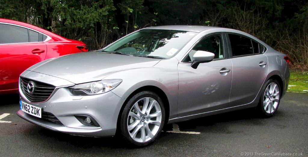 Extremely elegant lines and a sporty profile make the new Mazda6 Sedan highly desirable.