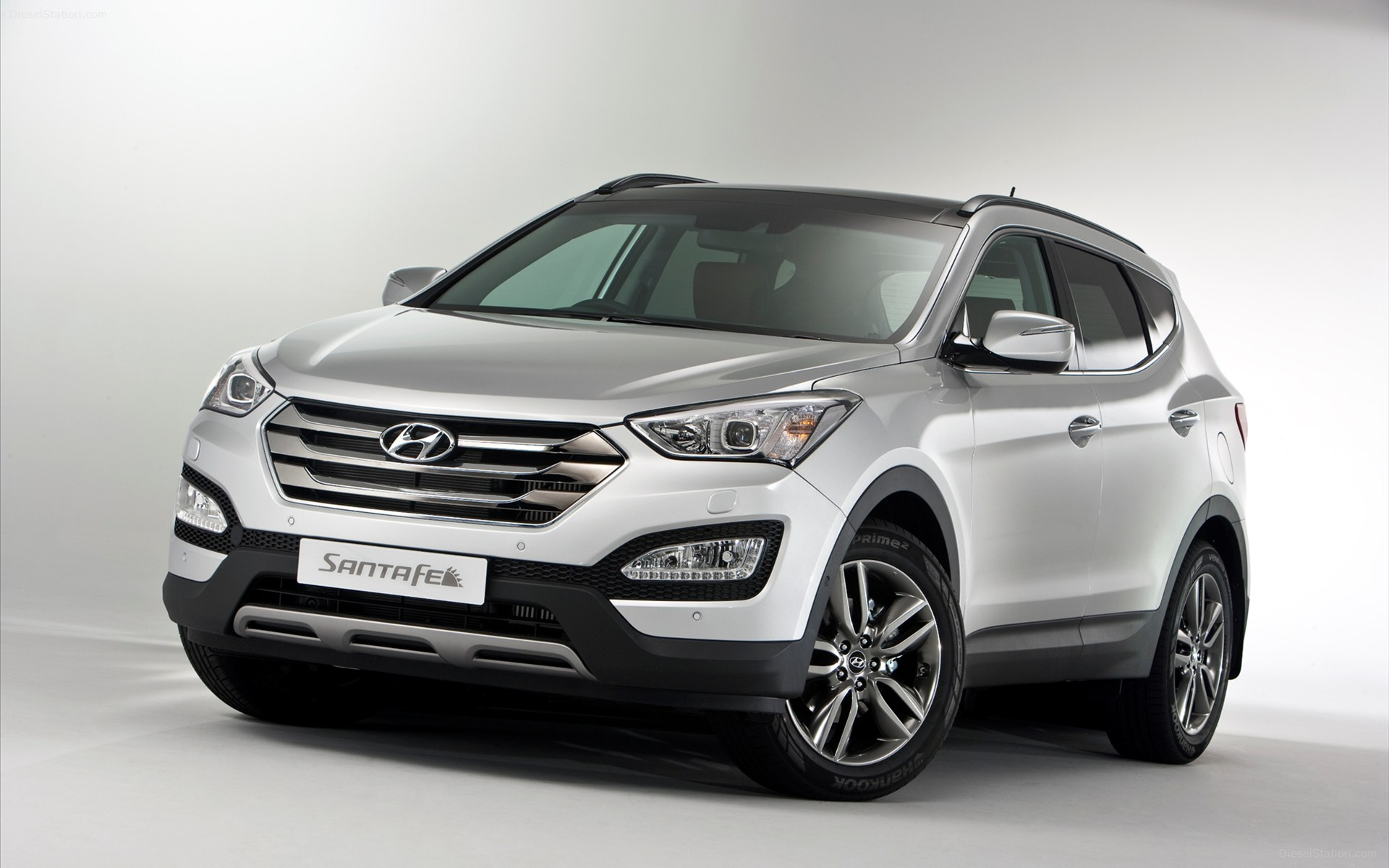 The Hyundai Santa Fe is a deceptively swift and accomplished SUV that loves to get its tyres muddy from time to time.