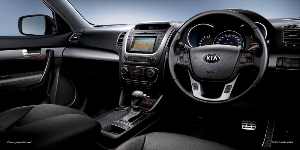 I love the dash appearance. Its classy lines, sweet curves and dark tones give the Next Gen Kia Sorento a very luxurious cabin ambience – particularly with the seats in soft black leather.