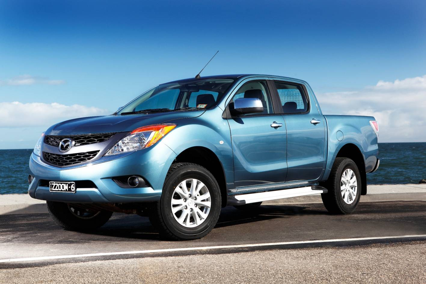 A match winner from Mazda, the BT-50 4x4 is a must drive. All BT-50 models have the classy KODOS Mazda design exterior that fashionably sets it apart from other utes on the road.