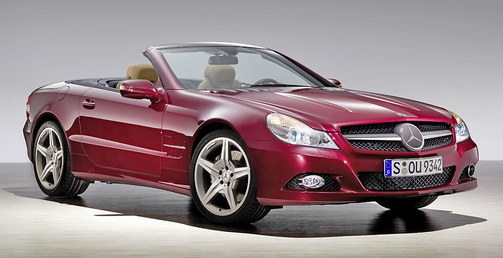 A high performance car, the Mercedes Benz SL-Class provides premium roadster thrills.