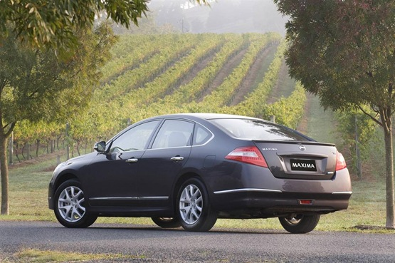The Nissan Maxima 250 ST-L would make a superb choice either as a family car or as part of a commercial fleet.