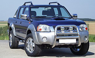 Added styling features give the Nissan Navara D22 plenty of approving looks.