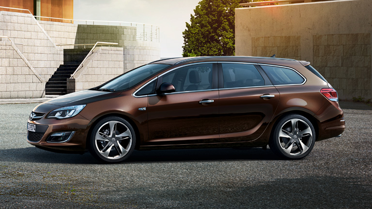 Fresh new styling comes to our roads in the form of the new Opel Astra Sports Tourer wagon.