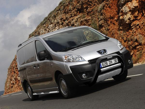 The Peugeot Expert combines style with stunning practicality.
