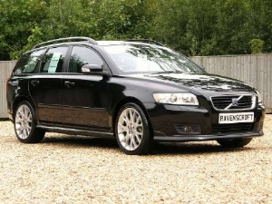 It's hard to find stationwagons that have the safe, sporty feel of the Volvo V50 D5.