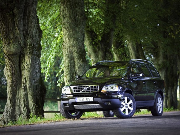 The Volvo XC90 V8 is at home on the road or off it, and does both with style.