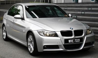 BMW_320i_Sports_1_Large