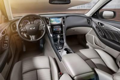 Infiniti Q60 convertible interior