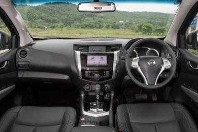 Nissan-Navara-dashboard-ONLINE