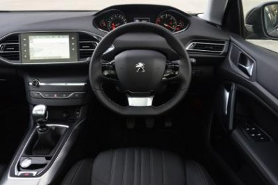 peugeot-308-hatchback-2013-interior_0_0
