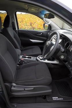Nissan Navara NP300 Petrol Interior