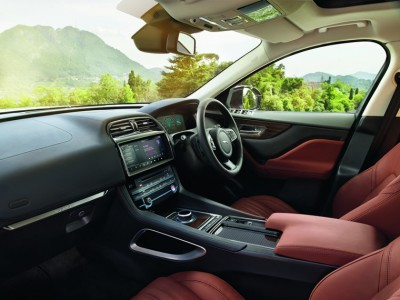 Jaguar F-Pace Diesel Interior