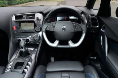 Citroen DS5 Blue HDi Interior
