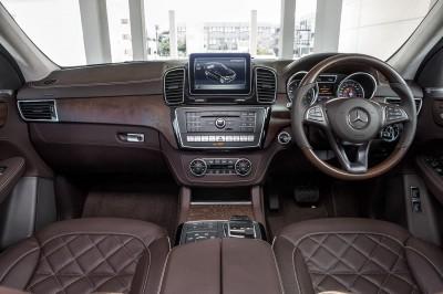 Mercedes Benz GLE SUV Interior